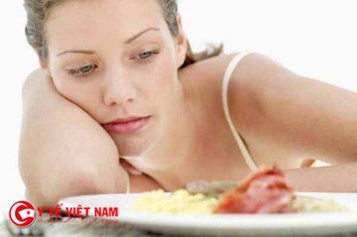 Chán ăn, mệt mỏi là một trong những biểu hiện của bệnh gan