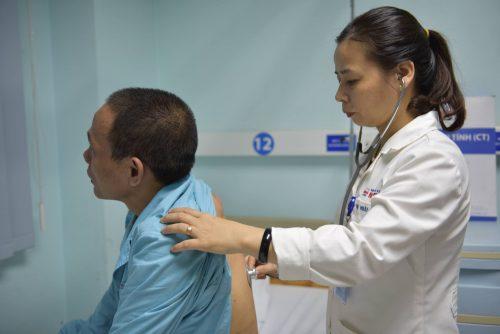 Các chuyên gia khuyến cáo, người dân cần tầm kiểm soát ung thư định kỳ được khuyến cáo 6 tháng hoặc 1 năm/ lần.