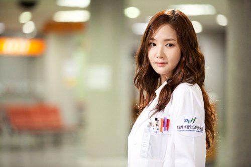 Sinh viên ngành y học hành rất vất vả