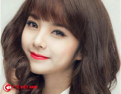 Nhấn mí Hàn Quốc giúp bạn gái có đôi mắt to tròn tự nhiên