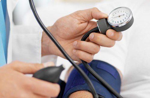 Điểm mặt những biểu hiện của bệnh tăng huyết áp ai cũng cần biết