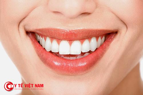 Tướng mạo người phụ nữ có hàm răng nhỏ có nhiều may mắn