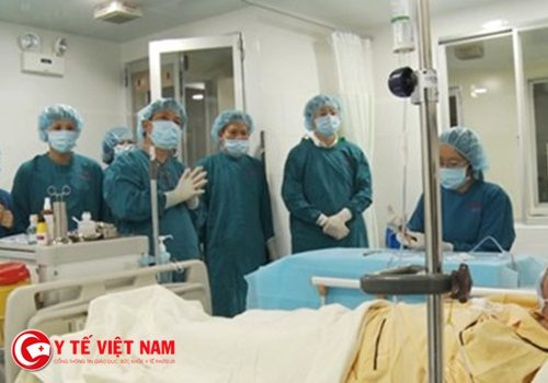 Tin mừng: Nam thanh niên ung thư máu tái sinh nhờ ghép tế bào gốc từ Đài Loan