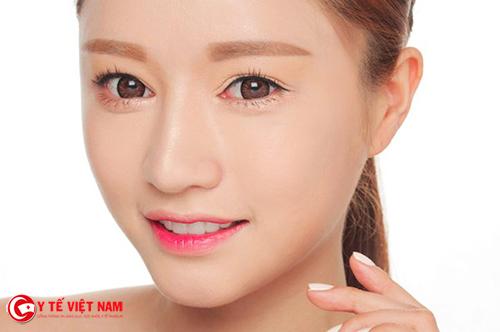 Nhấn mí Hàn Quốc giúp đôi mắt to tròn tự nhiên
