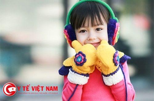 Làm thế nào để giữ ấm cho trẻ đúng cách vào mùa Đông?