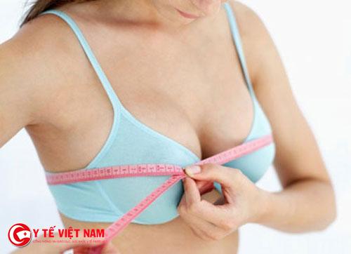 Nâng ngực nội soi giúp cải thiện vòng một