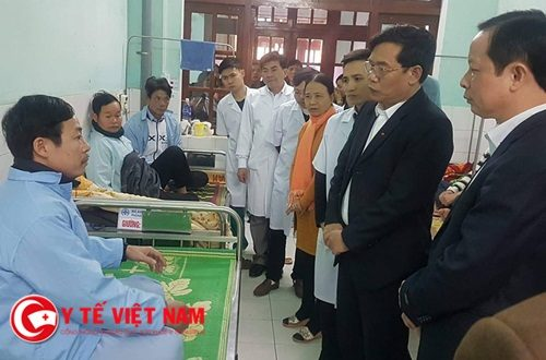 Nam bác sĩ Thái Bình bị người nhà đánh khi đang cấp cứu