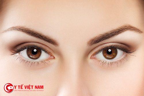 Nhấn mí giúp cho đôi mắt to tròn tự nhiên