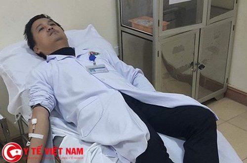 Bác sĩ Bệnh viện Đa khoa Hà Tĩnh hiến máu cứu bệnh nhân qua cơn nguy kịch
