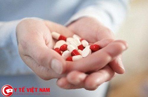 Vì thế, chuyên gia đến từ Trường Cao đẳng Y Dược Pasteur sẽ hướng dẫn các bạn cách sử dụng thuốc đùng nguyên tắc để hạn chế những trường hợp đáng tiếc như trên có thể xảy ra. Trang Y tế Việt Nam cũng đã cập nhật những nguyên tắc sử dụng thuốc mà bạn cần biết.