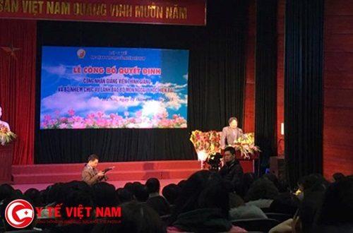 GS Trần Bình Giang phát biểu tại buổi lễ.