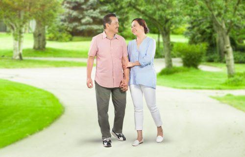 Đi bộ là phương pháp thể dục phù hợp cho người bệnh tim.
