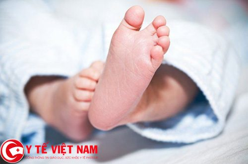 Ý nghĩa của việc lấy máu gót chân xét nghiệm ở trẻ sơ sinh