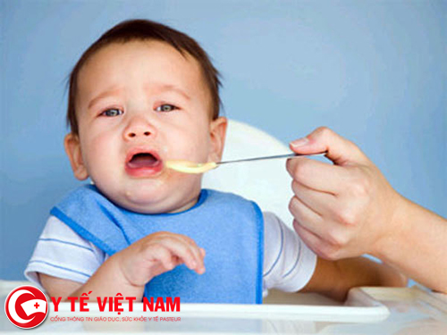 Trẻ mắc các bệnh cấp tính do nhiễm khuẩn dẫn đến biếng ăn