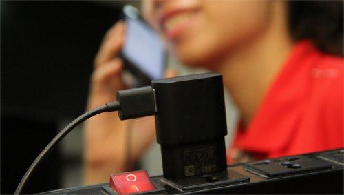Tuân thủ nghiêm nguyên tắc dùng điện thoại để khỏi gây hại cho sức khỏe