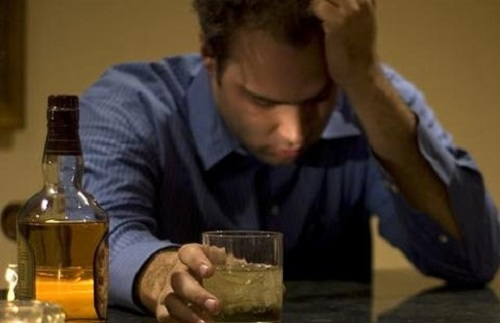 Khi bị ngộ độc rượu cần được xử lý kịp thời