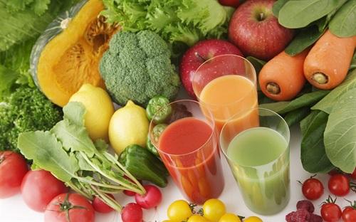 Bà bầu nên ăn nhiều rau xanh và trái cây tươi