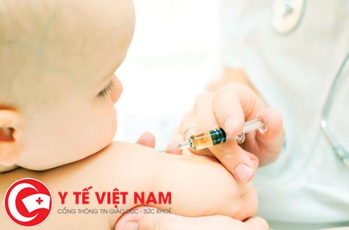 Những phản ứng thường gặp của trẻ sau khi tiêm chủng là gì?