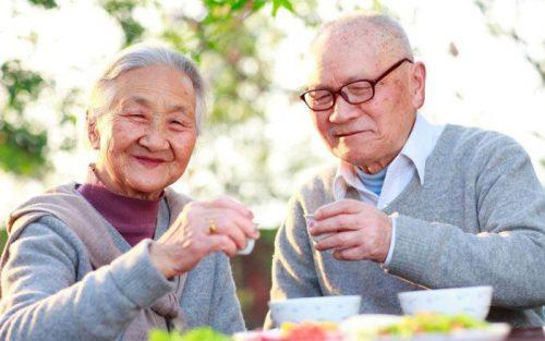 Có lối sống lạc quan giúp người cao tuổi sống thọ hơn