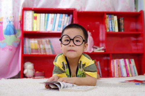 Có rất nhiều nguyên nhân gây nhược thị ở trẻ nhỏ