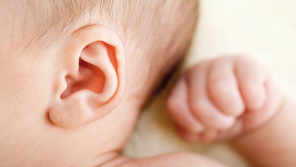Dấu hiệu nhận biết và biện pháp phòng bệnh viêm tai giữa ở trẻ nhỏ