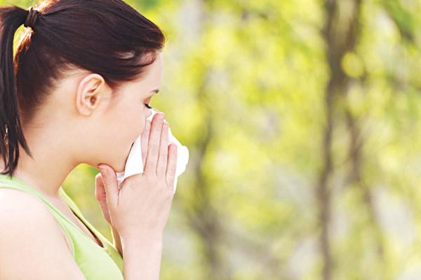 Bác sĩ tư vấn điều trị dị ứng phấn hoa như thế nào?