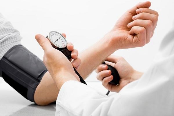 Nguyên nhân, triệu chứng và cách điều trị chứng huyết áp cao