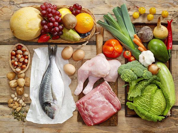 Một chế độ ăn đầy đủ dinh dưỡng, tăng cường rau xanh là điều vô cùng cần thiết