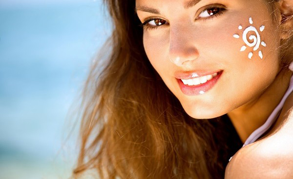 Kem chống nắng cũng như các mỹ phẩm khác khi sử dụng đều có thể gây dị ứng