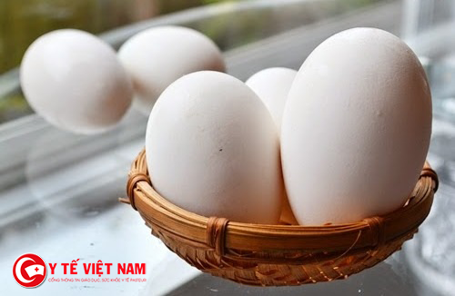 Không nên ăn quá nhiều trứng ngỗng khi mang thai