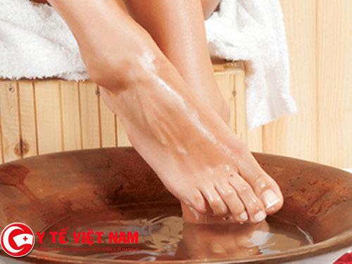 Ngâm chân giúp bạn tăng cường sức khỏe hiệu quả