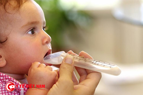 Trẻ bị mắc viêm tiểu phế quản bởi rất nhiều nguyên nhân