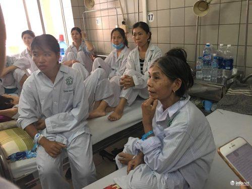 Các bệnh nhân vừa thoát nạn trong vụ 18 bệnh nhân bị sốc phản vệ khi đang chạy thận nhân tạo tại Bệnh viện đa khoa tỉnh Hòa Bình