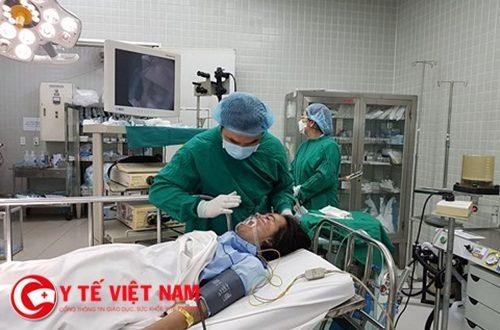 Nỗ lực cấp cứu cho các bệnh nhân trong vụ cháy ở TP.HCM