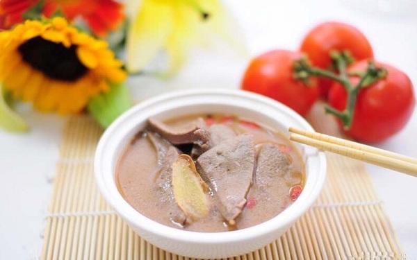 Món ăn bài thuốc Đông Y hỗ trợ điều trị cận thị hiệu quả