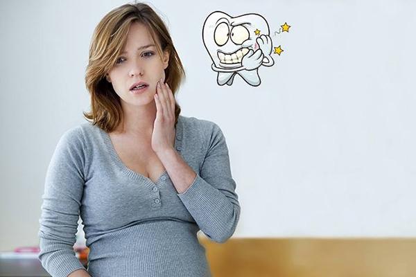 Loét miệng là triệu chứng thiếu vitamin B12