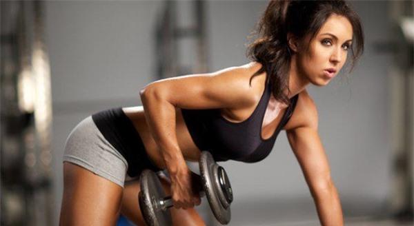 Những người mắc bệnh lý xương khớp không nên tập Gym