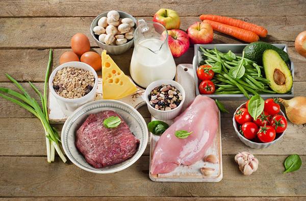 Hạn chế những thực phẩm chứa nhiều gia vị có mùi nồng nặc