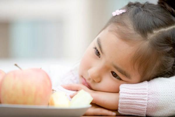 Trẻ bị thiếu sắt có những biểu hiện gì?