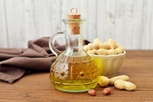 Tại sao người cao tuổi nên sử dụng dầu đậu phộng?