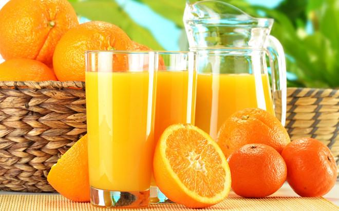 Uống nước ép cam quýt có thể kích hoạt các triệu chứng ợ nóng